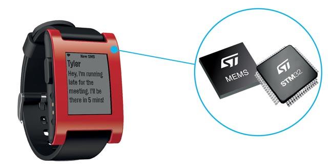 Microcontrolador en reloj inteligente Pebble