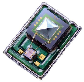 Micrófono MEMS piezoeléctrico con SNR de 68 dB