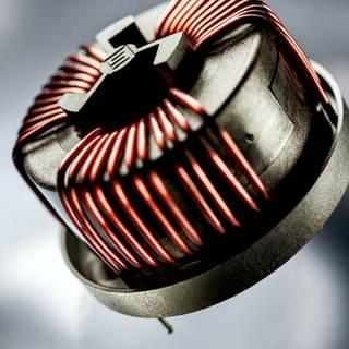 Choques compensados de corriente para PCB