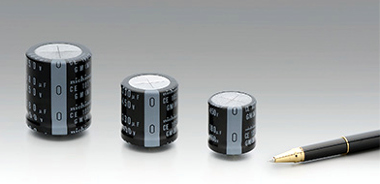 condensadores electrolíticos snap-in compactos