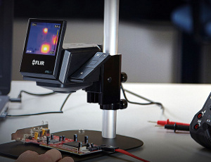 Cámara térmica para comprobación de circuitos