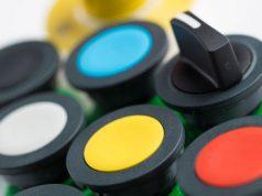 Pulsadores de colores para paneles