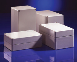 Envolventes rugerizados en ochenta y seis tamaños y en cuatro versiones