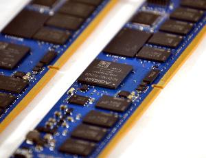 Controlador de memorias no volátil