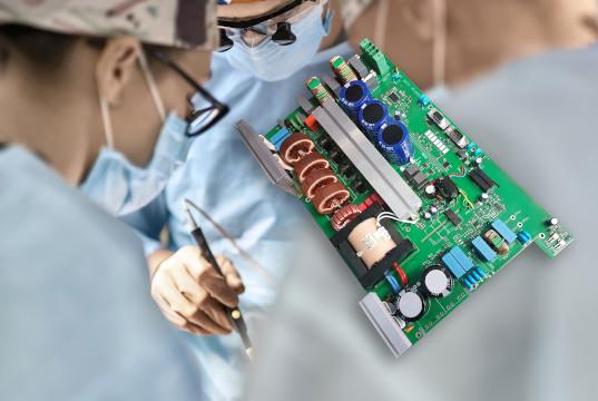Fuente para aplicaciones láser médicas de alta carga