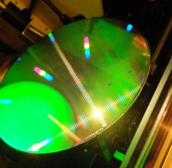 Plataforma de tecnología BCD-on-SOI de 180 nm