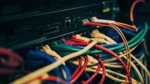 Cómo funciona la electrónica de los firewalls