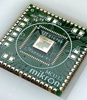 MIK32 MCU RISC-V de 32 bits